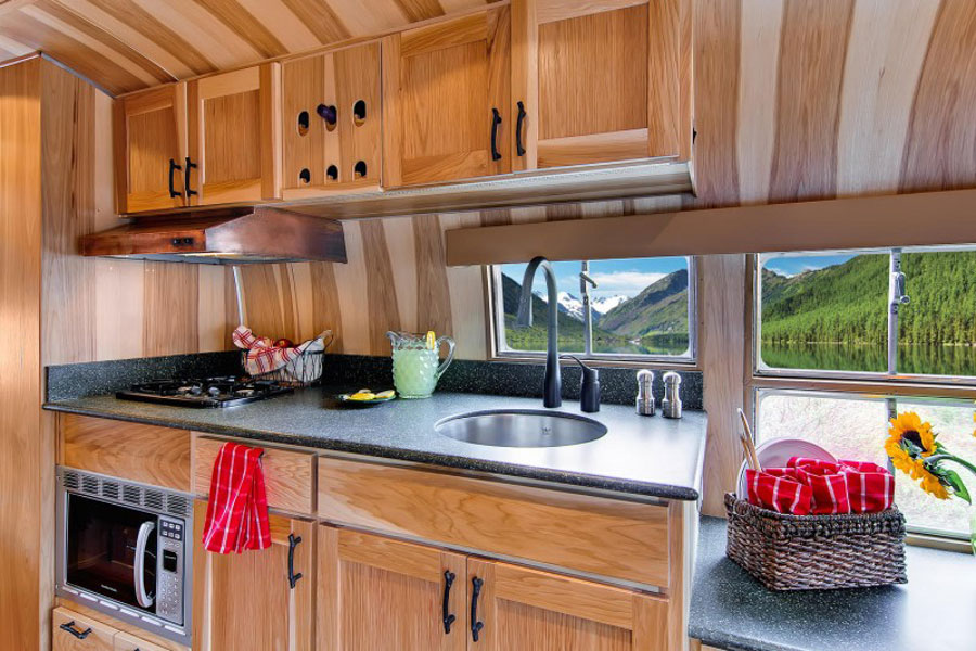 Click image for larger version  Name:airstream restoration2.jpg Views:84 Size:141.9 KB ID:198331