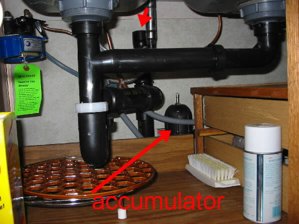 Click image for larger version  Name:accumulator and vent.jpg Views:257 Size:52.4 KB ID:1986