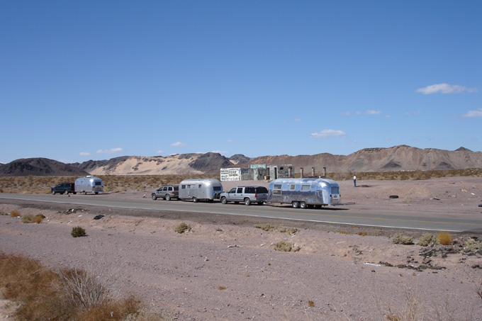 Click image for larger version  Name:Baja rest stop.jpg Views:81 Size:119.9 KB ID:19921