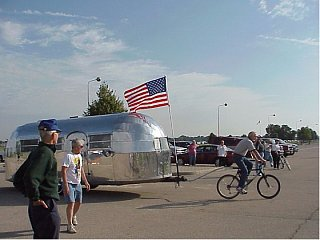 Click image for larger version  Name:Bike towing an Airstream.jpg Views:113 Size:179.7 KB ID:199375