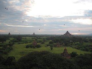 Click image for larger version  Name:Ballons over Bagon,Myanmar 11-11-2014.jpg Views:105 Size:521.7 KB ID:200865