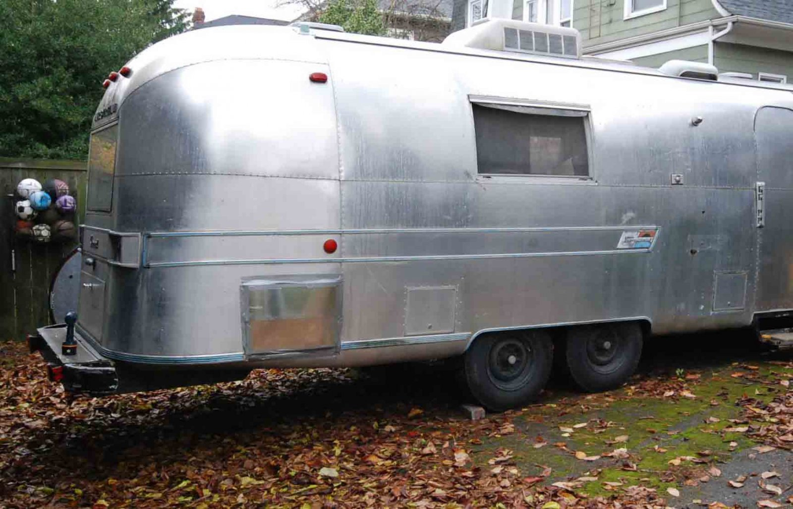 Click image for larger version  Name:airstream water heater cover.jpg Views:194 Size:247.9 KB ID:201001