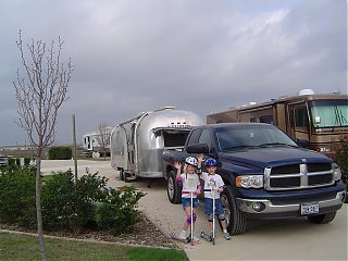 Click image for larger version  Name:spring break 06 airstream.JPG Views:160 Size:120.3 KB ID:20110