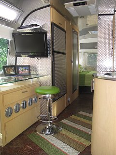 Click image for larger version  Name:Interior Pict.jpg Views:304 Size:187.3 KB ID:201561