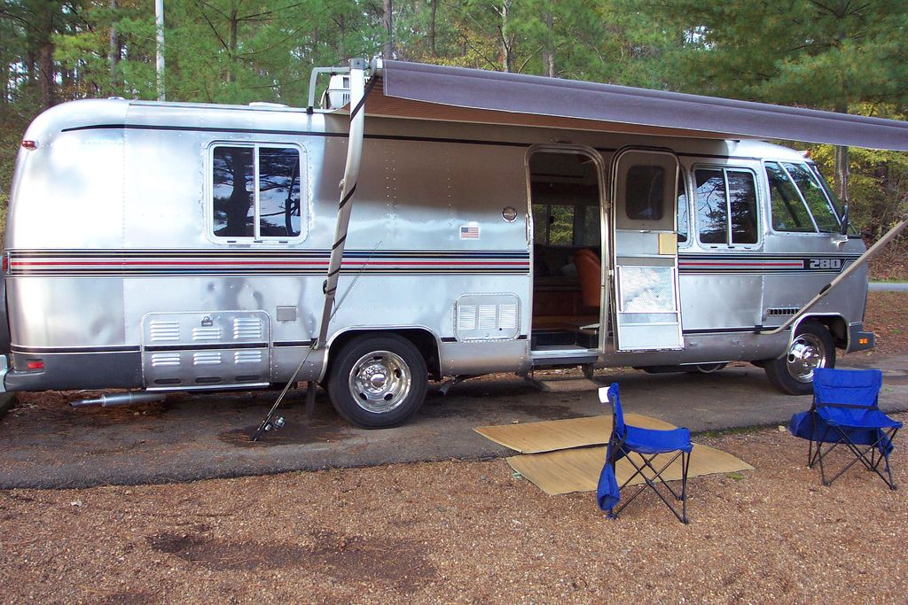 Click image for larger version  Name:moho camping.jpg Views:75 Size:180.8 KB ID:202021