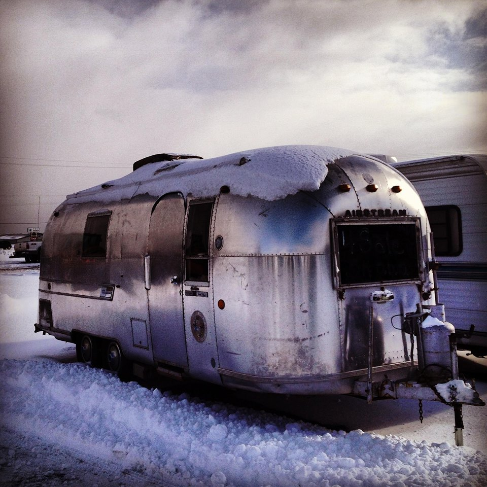 Click image for larger version  Name:airstream curbside.jpg Views:151 Size:182.6 KB ID:202248