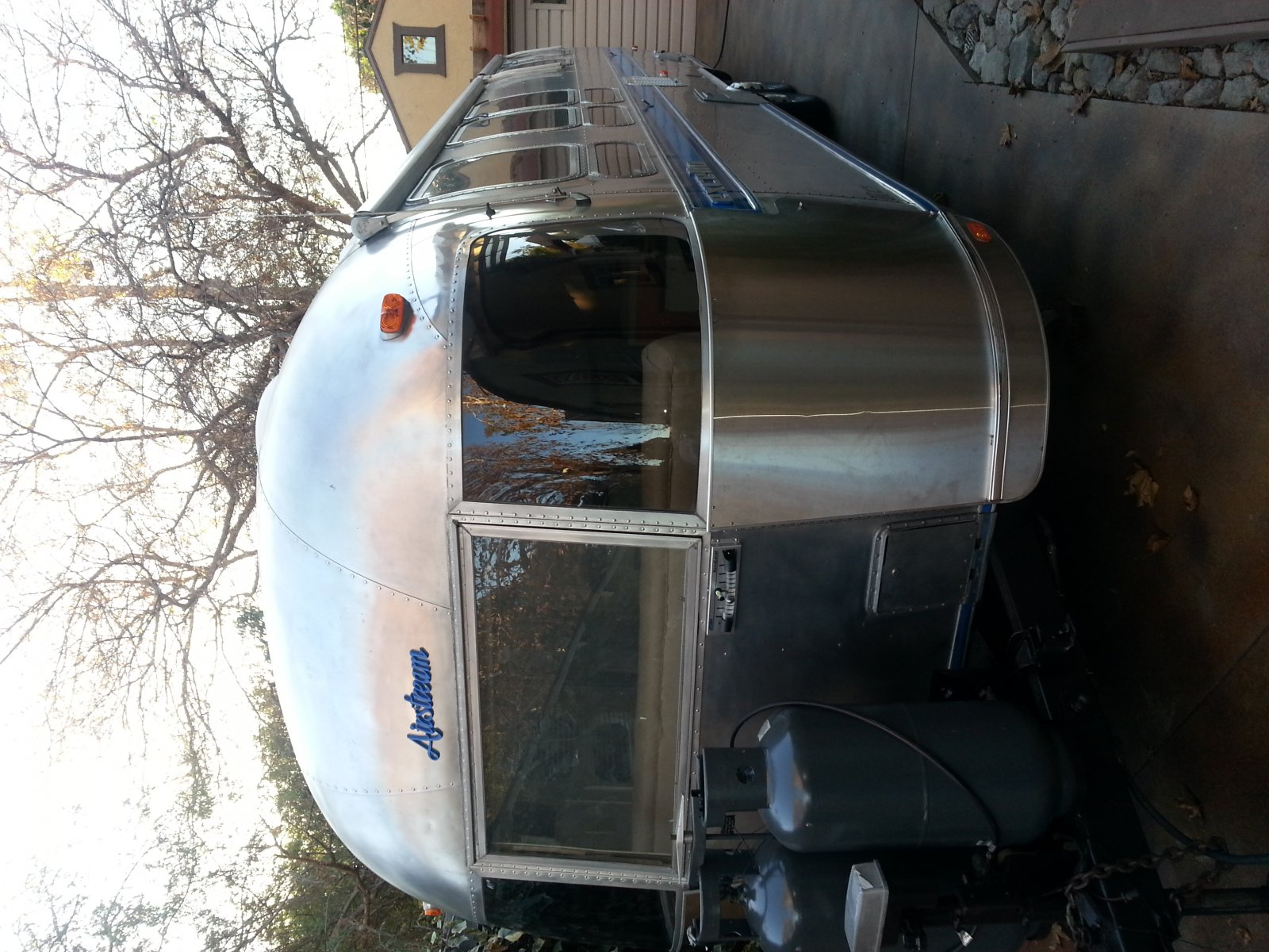 Click image for larger version  Name:Airstream front.jpg Views:134 Size:326.3 KB ID:202570