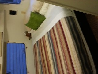 Click image for larger version  Name:Airstream bedroom.jpg Views:146 Size:217.3 KB ID:202571