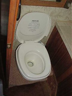 Click image for larger version  Name:325 new commode sm.jpg Views:567 Size:13.4 KB ID:2039
