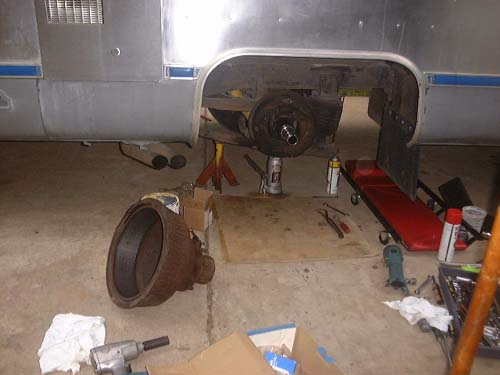 Click image for larger version  Name:rearbrakes.jpg Views:288 Size:28.3 KB ID:2049