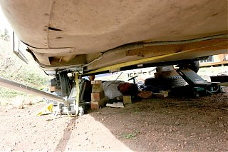 Click image for larger version  Name:IMG_4936 jim under trailer-s.jpg Views:105 Size:100.7 KB ID:20518