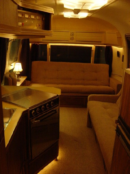 Click image for larger version  Name:airstream 021.jpg Views:198 Size:57.1 KB ID:20646