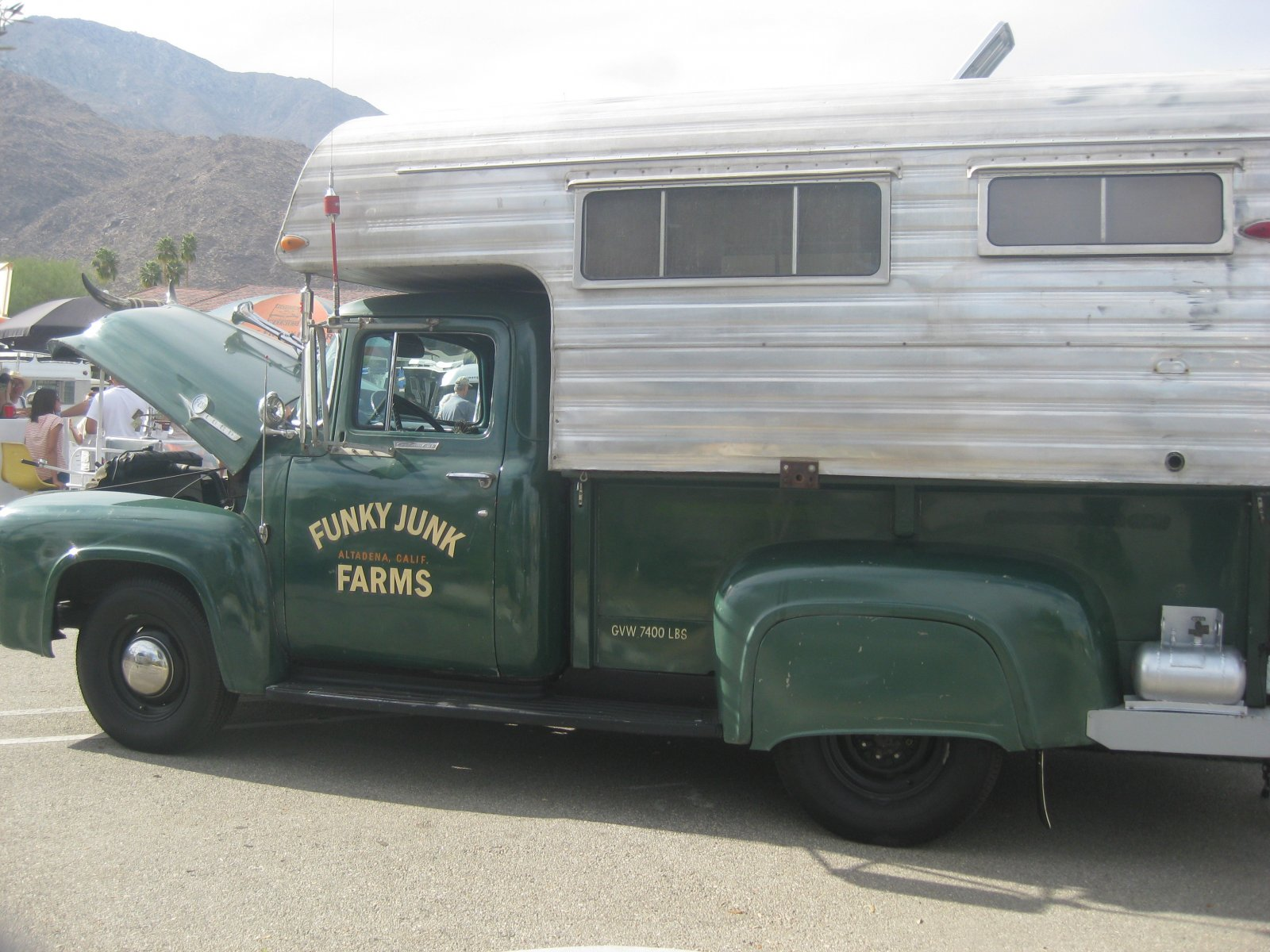 Click image for larger version  Name:Palm Springs Vintage Trailer Show (253b).jpg Views:58 Size:282.8 KB ID:206550