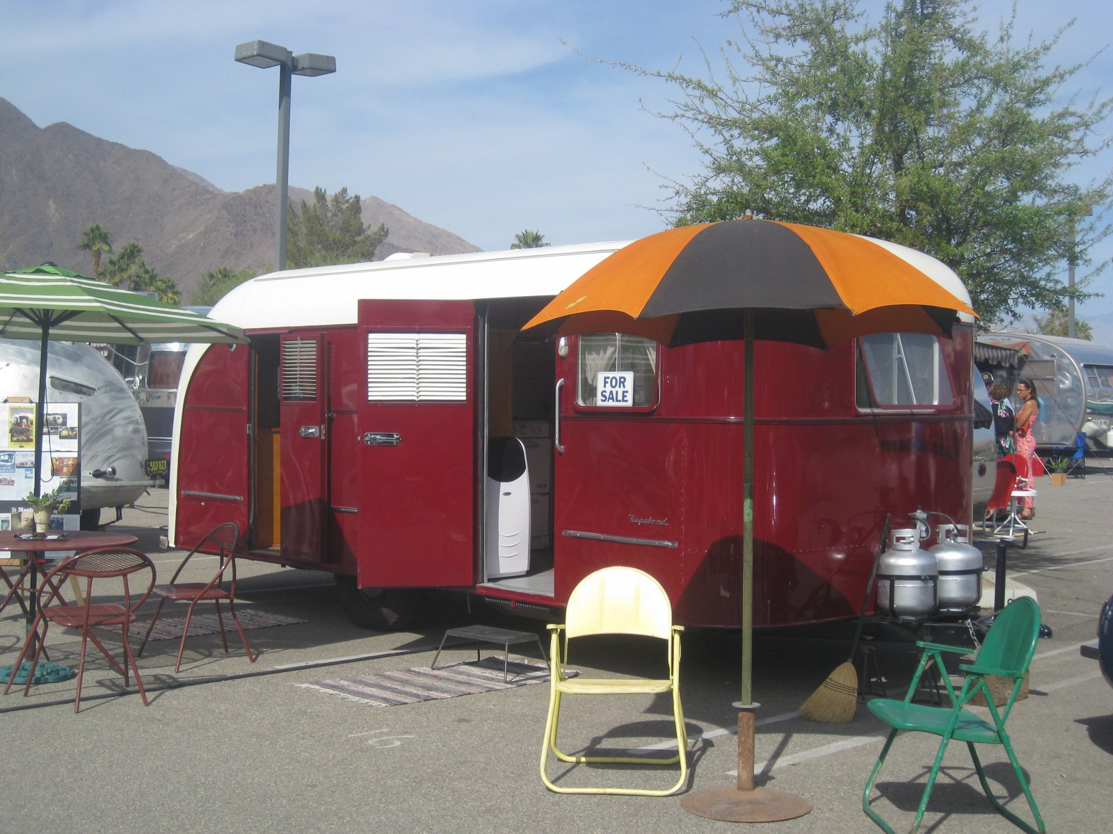 Click image for larger version  Name:Palm Springs Vintage Trailer Show (254).jpg Views:56 Size:332.4 KB ID:206551