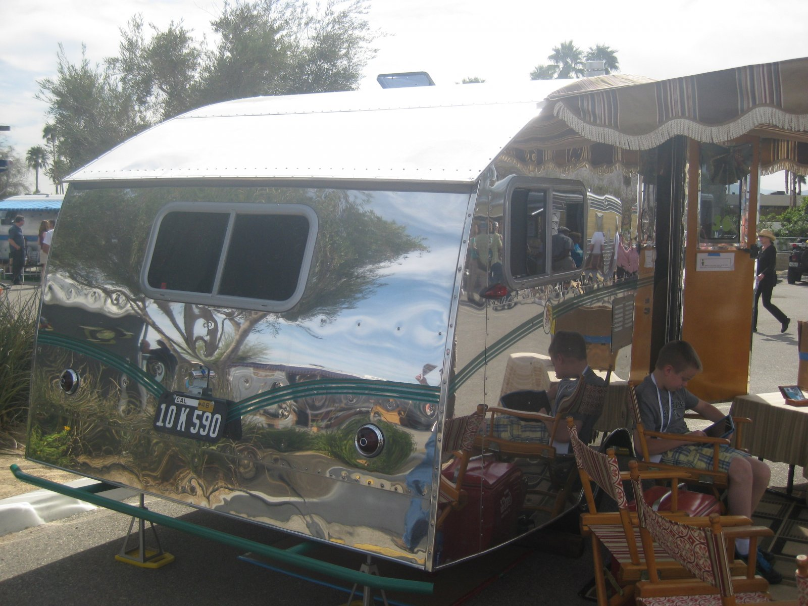 Click image for larger version  Name:Palm Springs Vintage Trailer Show (266).jpg Views:55 Size:301.9 KB ID:206553