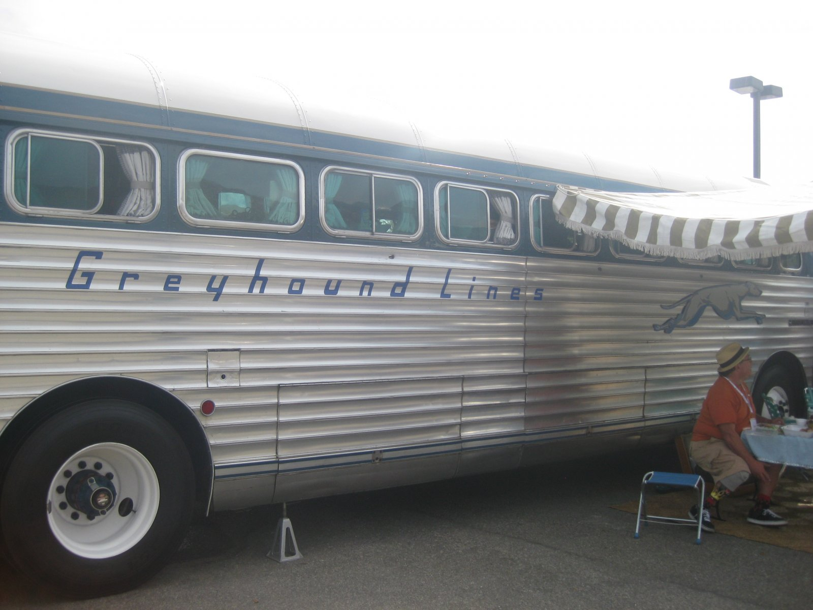 Click image for larger version  Name:Palm Springs Vintage Trailer Show (275).jpg Views:63 Size:215.2 KB ID:206554