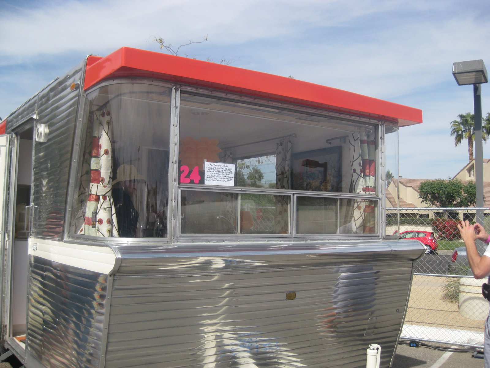Click image for larger version  Name:Palm Springs Vintage Trailer Show (315).jpg Views:62 Size:285.3 KB ID:206557