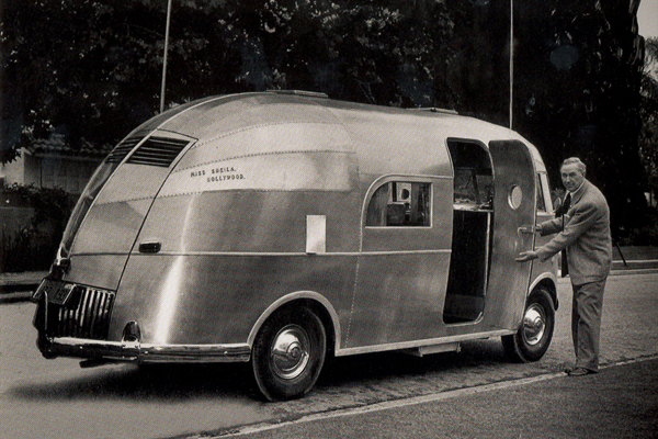 Click image for larger version  Name:1st Airstream Motorhome.jpg Views:506 Size:262.1 KB ID:207547