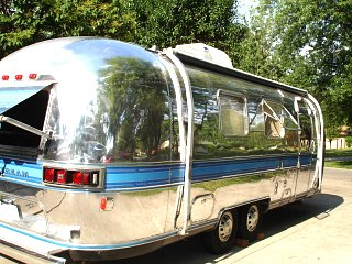Click image for larger version  Name:partial polish Airstream 004.jpg Views:2627 Size:493.7 KB ID:207862