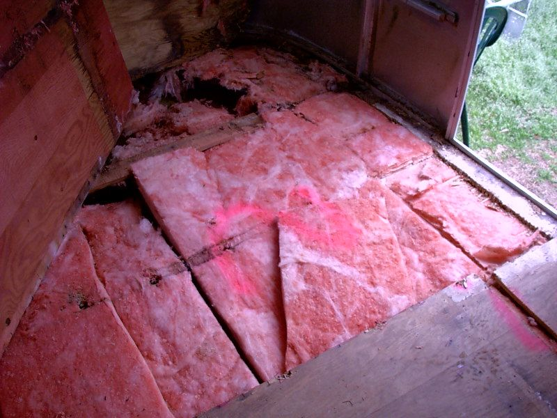 Click image for larger version  Name:Floor Removal 5.jpg Views:101 Size:124.6 KB ID:20811