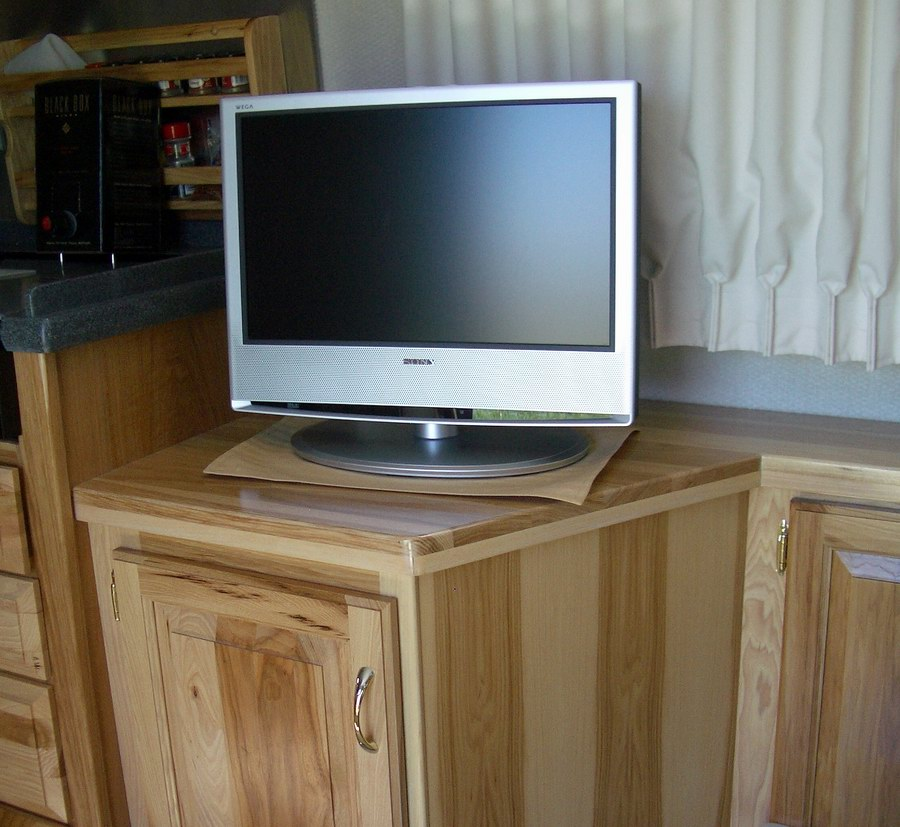Click image for larger version  Name:sony 19 lcd tv.jpg Views:110 Size:171.2 KB ID:20858