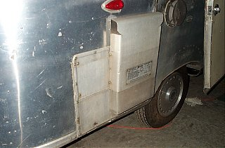Click image for larger version  Name:water heater outside.jpg Views:112 Size:128.0 KB ID:20874