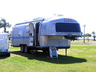 Click image for larger version  Name:5thwheel3.jpg Views:130 Size:502.8 KB ID:208943