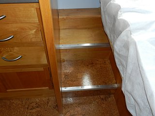 Click image for larger version  Name:0419 bed steps.jpg Views:117 Size:254.0 KB ID:210013