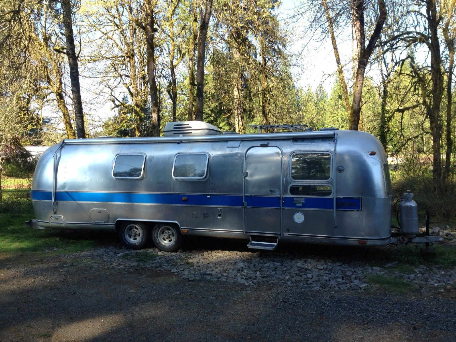 Click image for larger version  Name:Airstream side view.jpg Views:84 Size:526.8 KB ID:210397