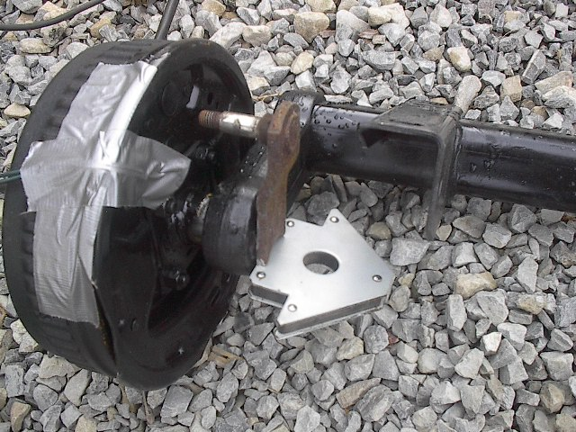 Click image for larger version  Name:Dexter axle install 002.jpg Views:191 Size:125.3 KB ID:21078