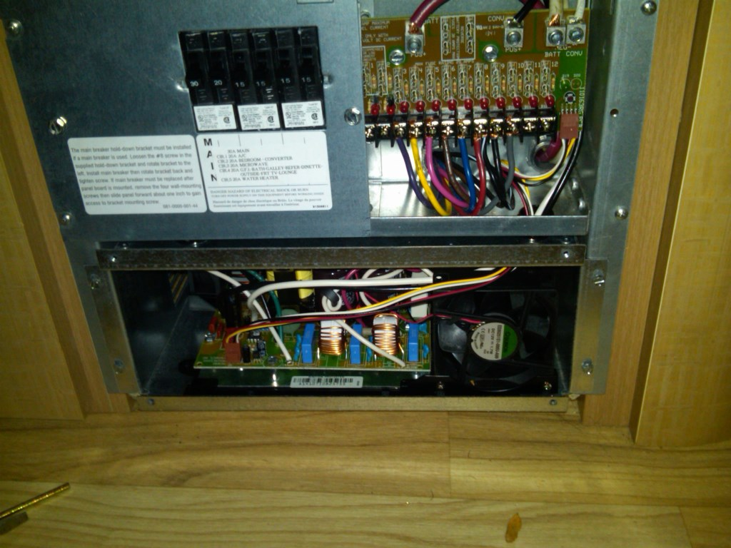 Click image for larger version  Name:converter pic 7_new converter no fuses.jpg Views:241 Size:165.4 KB ID:211396