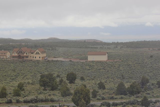 Click image for larger version  Name:mansion.jpg Views:83 Size:40.4 KB ID:211691