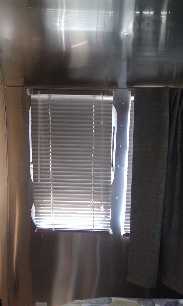 Click image for larger version  Name:Bedroon curtain 4.jpg Views:180 Size:114.5 KB ID:212226