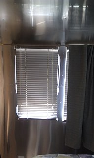 Click image for larger version  Name:Bedroon curtain 4.jpg Views:222 Size:114.5 KB ID:212226