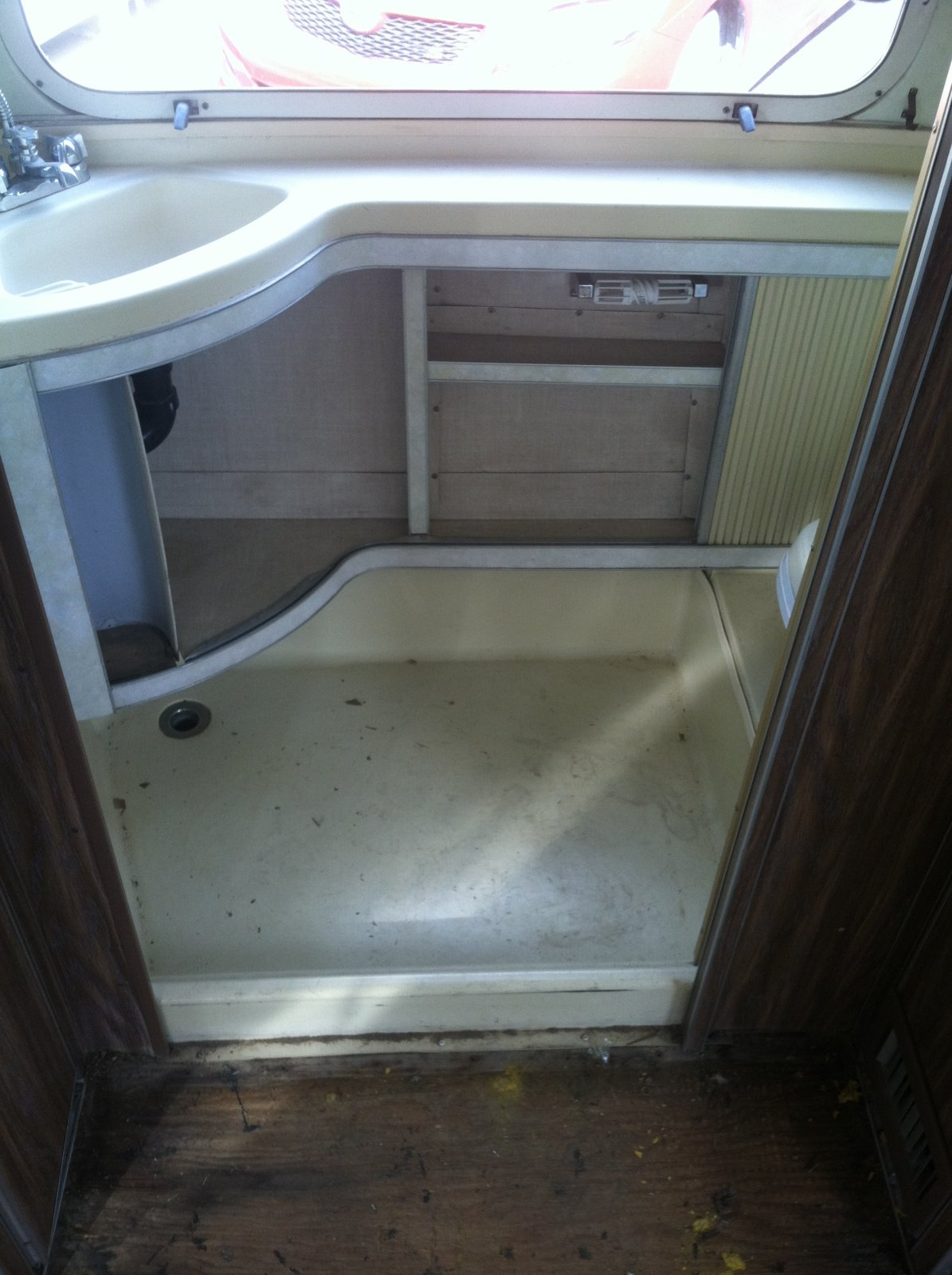 Click image for larger version  Name:bathsink2.jpg Views:99 Size:222.0 KB ID:213020