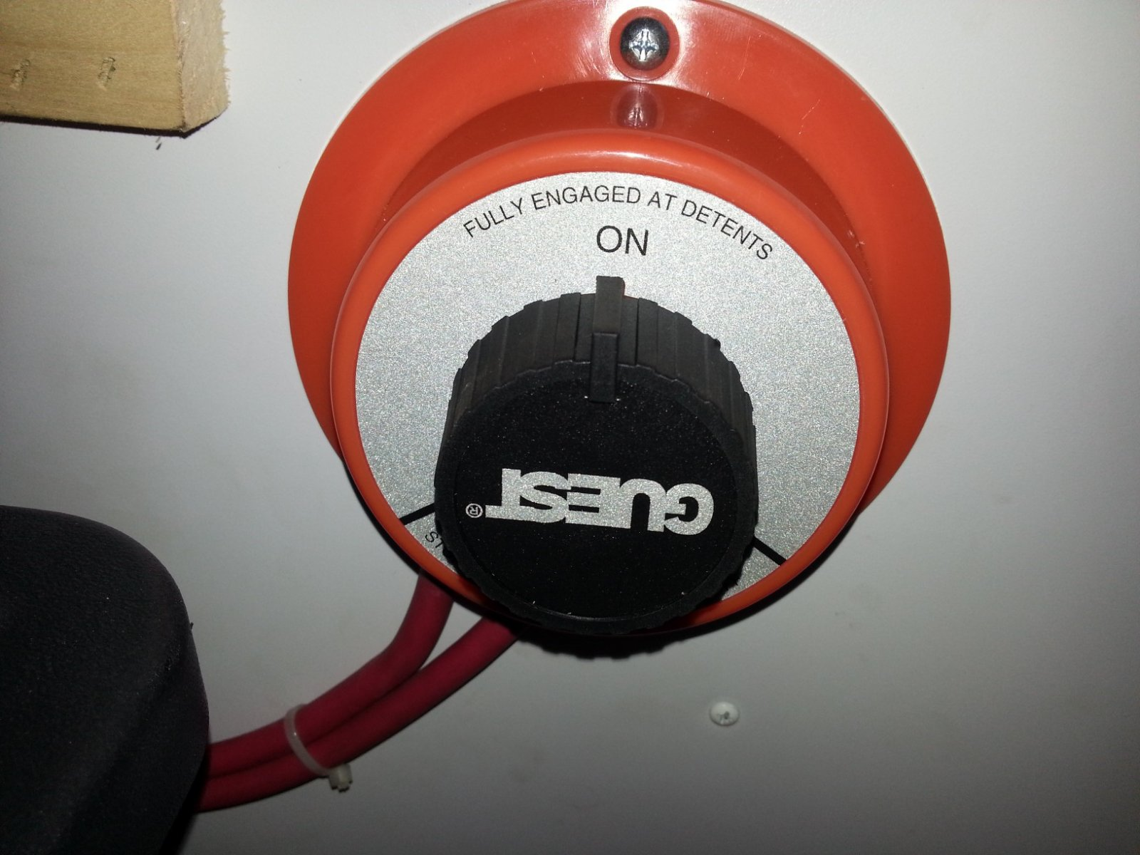 Click image for larger version  Name:Marine switch closeup.jpg Views:117 Size:224.6 KB ID:213671