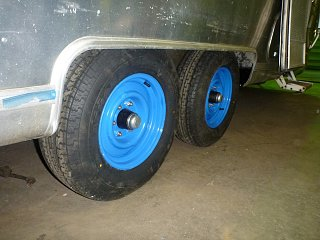 Click image for larger version  Name:Blue Wheels.jpg Views:110 Size:357.0 KB ID:214013