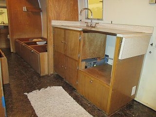 Click image for larger version  Name:1405 Galley Doors Installed.jpg Views:140 Size:249.8 KB ID:215239