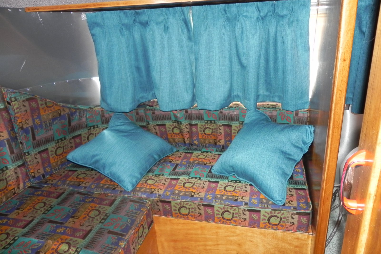 Click image for larger version  Name:1956 Bubble rear seat:bed.jpg Views:81 Size:337.0 KB ID:216220