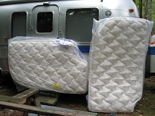 Click image for larger version  Name:New Mattress.jpg Views:144 Size:267.5 KB ID:217166
