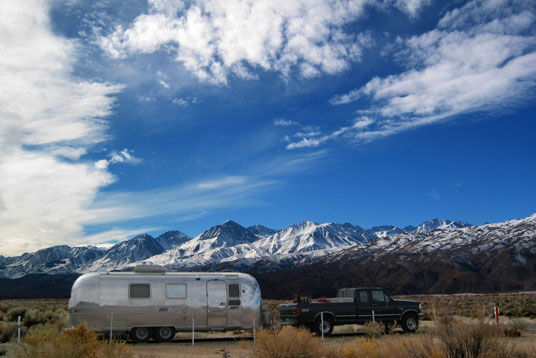 Click image for larger version  Name:112_1235 trailer-sky-mtns-s.jpg Views:121 Size:78.3 KB ID:21791