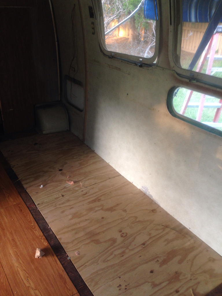 Click image for larger version  Name:ImageUploadedByAirstream Forums1407329101.885609.jpg Views:69 Size:703.5 KB ID:218397