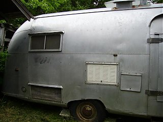 Click image for larger version  Name:airstream 57 007 (Small).jpg Views:76 Size:47.2 KB ID:21840