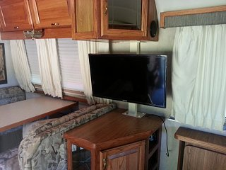 Click image for larger version  Name:20130425_181420 TV stand.jpg Views:99 Size:195.1 KB ID:218907