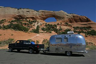 Click image for larger version  Name:IMG_5239 At Wilson Arch-s.jpg Views:179 Size:88.3 KB ID:21938
