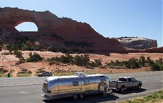 Click image for larger version  Name:ken_airstream_wilson_arch_sm.jpg Views:135 Size:33.5 KB ID:21956