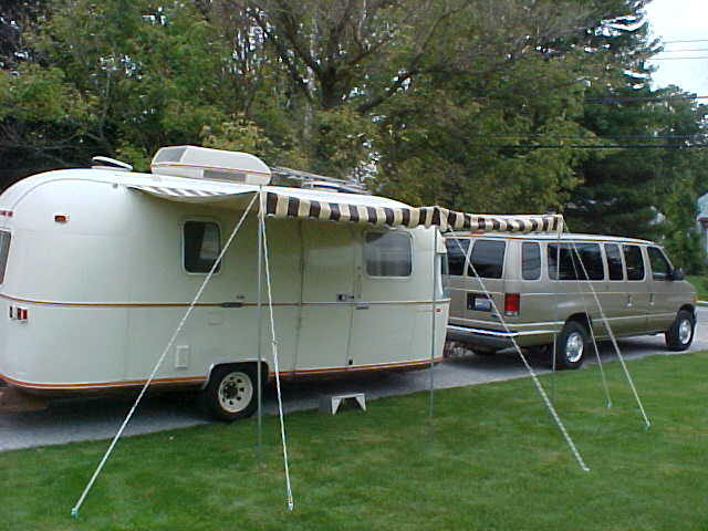 Click image for larger version  Name:Argosy with awning up.jpg Views:90 Size:45.1 KB ID:22141
