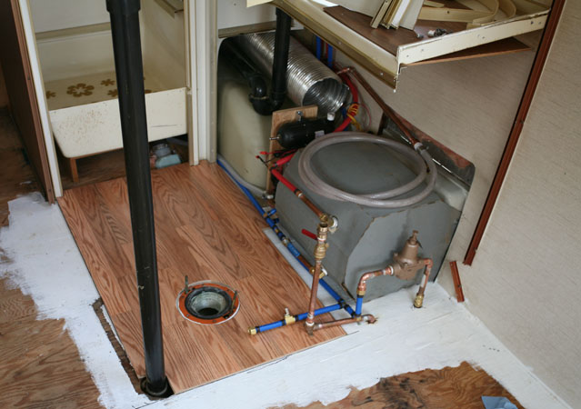 Click image for larger version  Name:5D__0011 new bath floor-s.jpg Views:419 Size:99.8 KB ID:22211