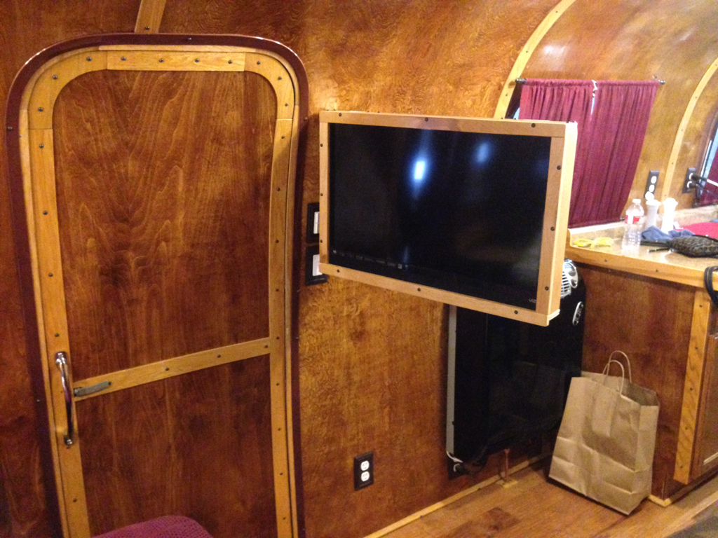 Click image for larger version  Name:ImageUploadedByAirstream Forums1411003363.848115.jpg Views:90 Size:876.8 KB ID:222119
