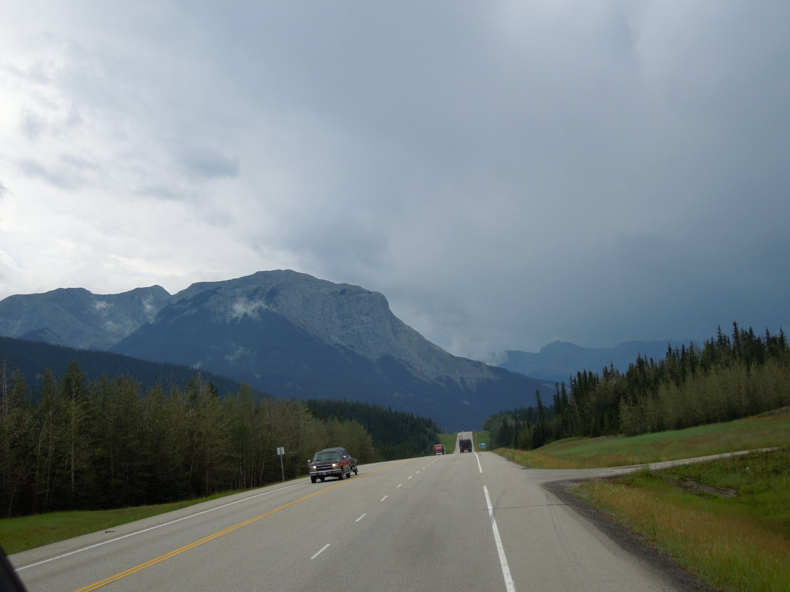 Click image for larger version  Name:Dawson Creek to Icefield Parkway to Cochrane 027.jpg Views:58 Size:177.0 KB ID:222240